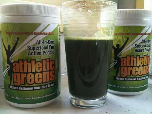 ATHLETIC GREENS Drinks PREMIUM Superfood Cocktail Powder Reviews green-drinks